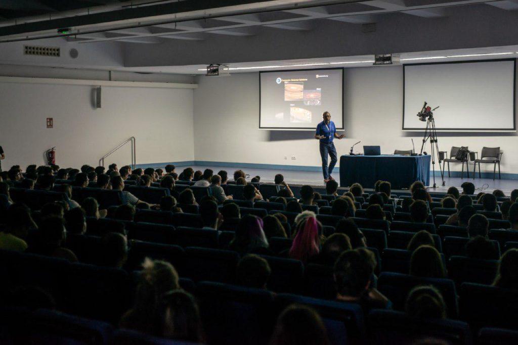 Miquel Serra, director del Observatorio de Tenerife, en la jornada Internet y Ciencia de TLP Innova | Fuente: Alby Martín