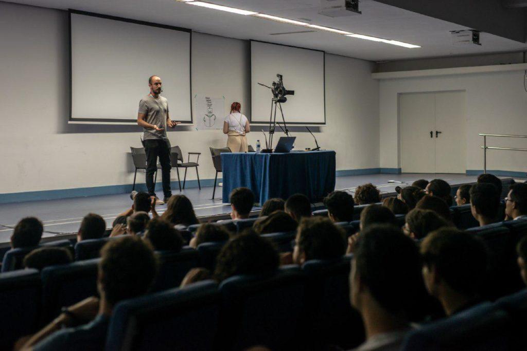 Dot CSV, divulgador científico, en la jornada Internet y Ciencia de TLP Innova | Fuente: Alby Martín