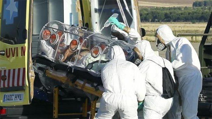 Traslado de un contagiado de ébola en España