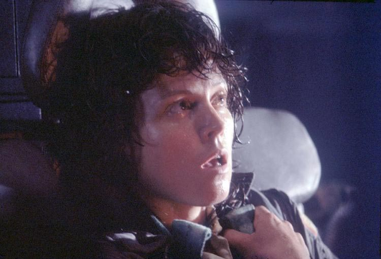 Sigourney Weaver como Ellen Ripley