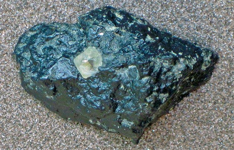 Kimberlita con diamante
