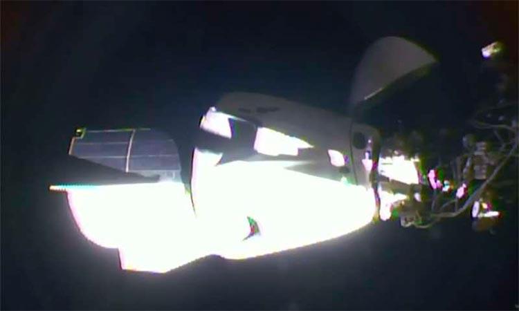 La cápsula Dragon de SpaceX, en pleno vuelo hacia la EEI