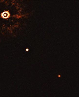 Sistema planetario TYC 8998-760-1