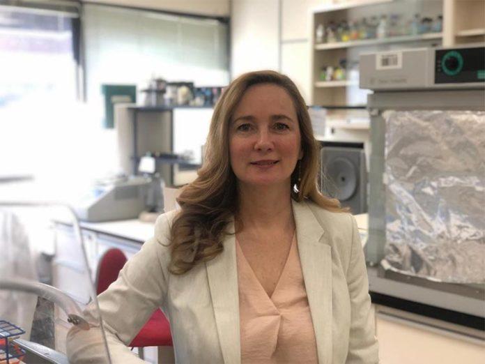 Joanne Lemieux, profesora de bioquímica