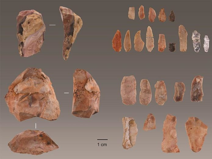 Herramientas de piedra de seres humanos modernos descubiertas en Lapa do Picareiro en el centro de Portugal. Crédito: Jonathan Haws.