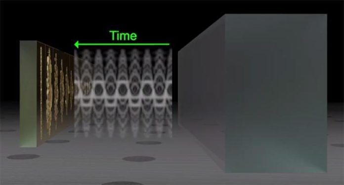 Físicos crean ondas ópticas invertidas en el tiempo