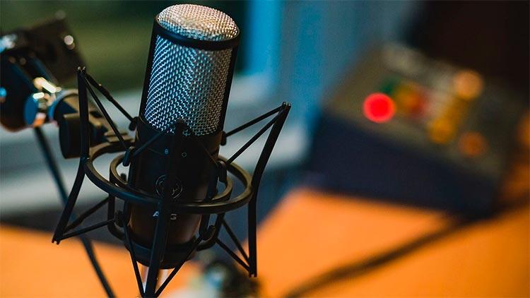 Micrófono de podcast