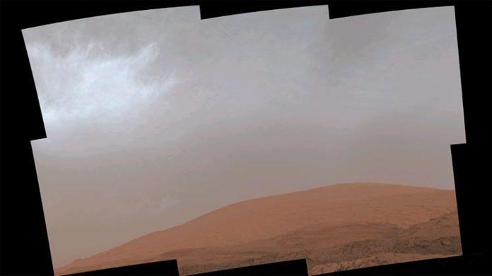 El rover Curiosity de la NASA captura nubes brillantes en Marte