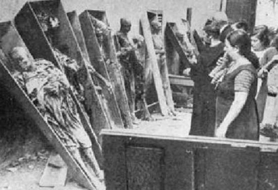 Guerra Civil Española: quema, saqueo y vejación de iglesias