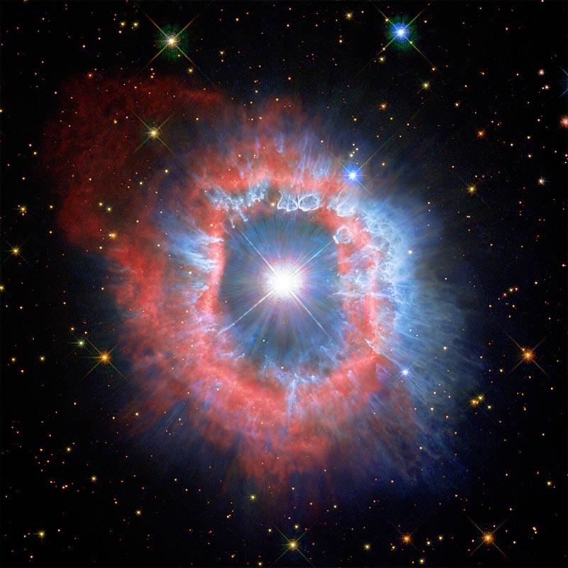El Hubble toma la imagen del 31 aniversario: dos nuevas vistas muestran la naturaleza dual de la estrella AG Carinae